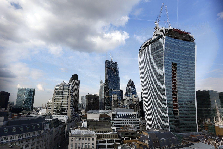 JK parduoda banką: pradinė kaina 5,9 mlrd. USD