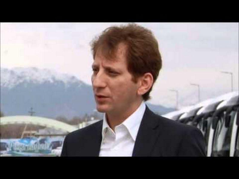 """Babakas Zanjani, Irano verslininkas. """"Youtube.com"""" stopkadras."""