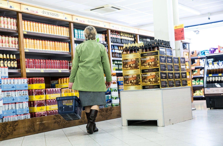 Siūlo itin griežtus alkoholio prieinamumo ribojimus