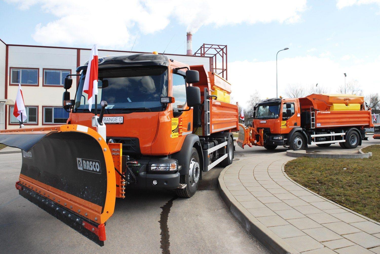 Naujus sunkvežimius Vilniaus tvarkdariai naudos ir žiemą, ir vasarą