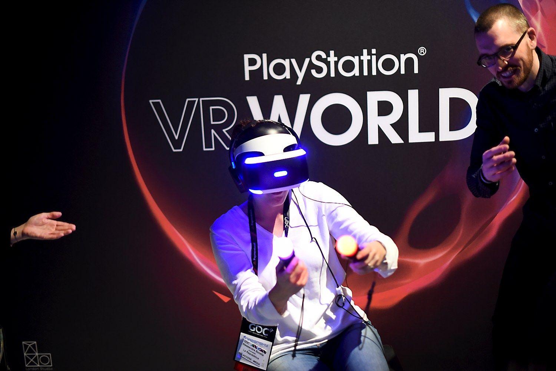 """Sony PlayStation VR"" bus pigesnis už ""Oculus Rift"" ir ""HTC Vive"""