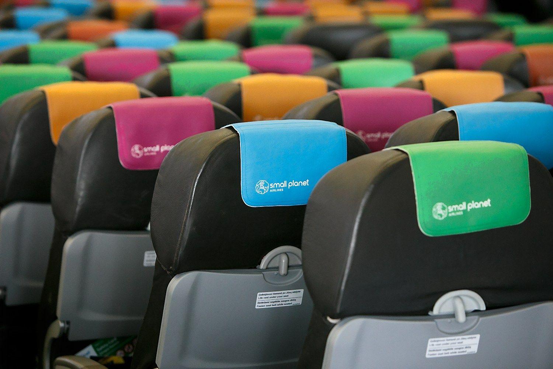 """Į lėktuvų salonų atnaujinimą """"Small Planet Airlines"""" investavo 6 mln. Eur"""