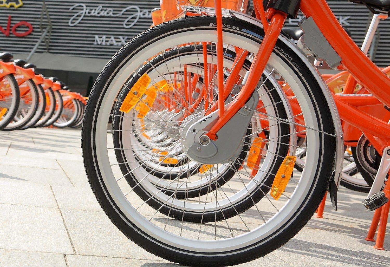 Ant �Cyclocity� dvira�i� � nebe �Jacobs 3 in 1� reklama