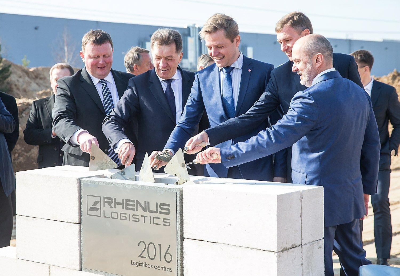 """Pradėtos naujo """"Rhenus Svoris"""" logistikos sandėlio statybos"""