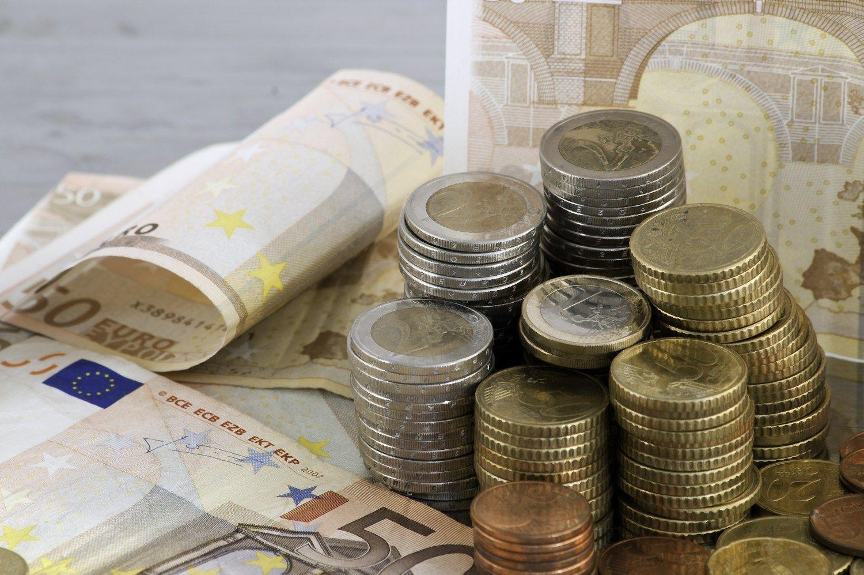 Apklausa: verslas ruošiasi didinti atlyginimus
