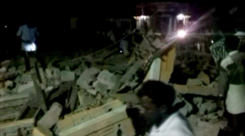 Fejerverkų sukeltas gaisras šventykloje pražudė virš 100 žmonių