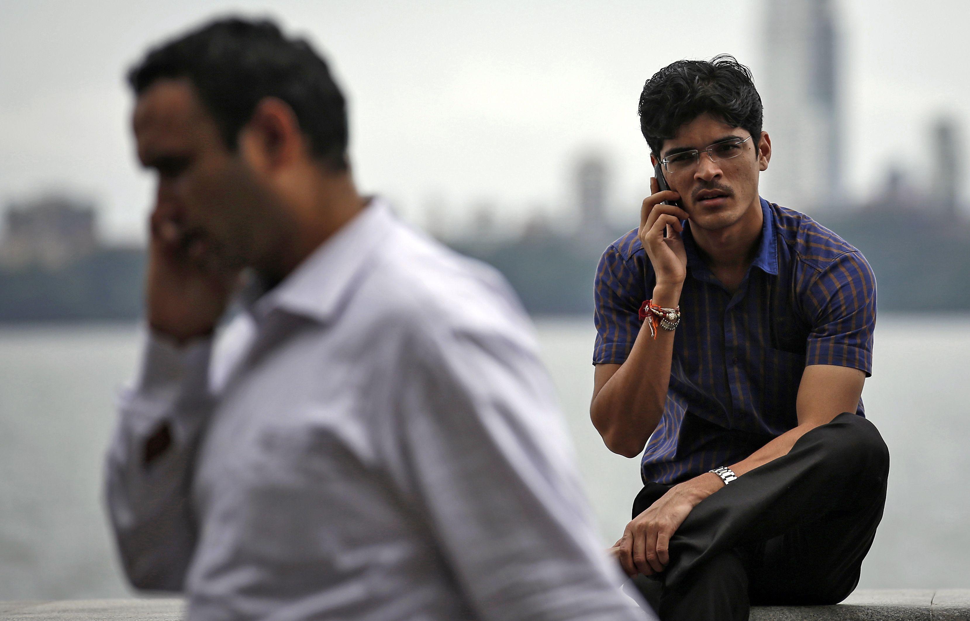 """""""Samsung"""" grumiasi dėl besivystančių rinkų"""