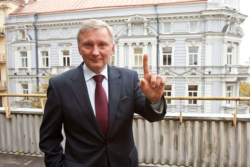 """Robertas Miliauskas, UAB """"Utenos prekyba"""" generalinis direktorius, šiai įmonei vadovauja 30 metų. Tai ilgiausią vadovo darbo stažą turintis kandidatas į """"Metų CEO"""" vardą. Herkaus Milaševičiaus (VŽ) nuotr."""