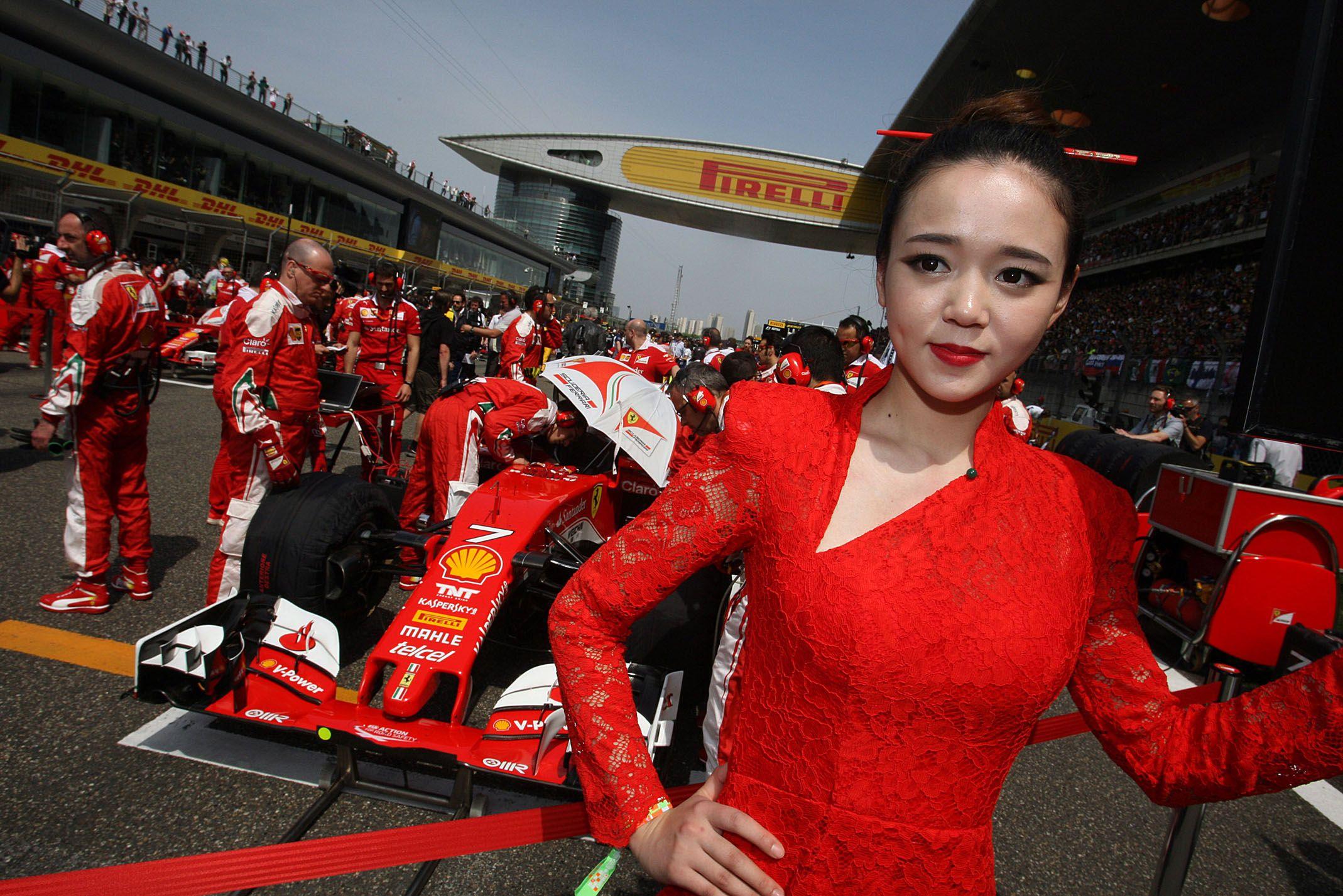 Ferrari�s Luxury Ambitions Face Reset as Prada Hits the Skids
