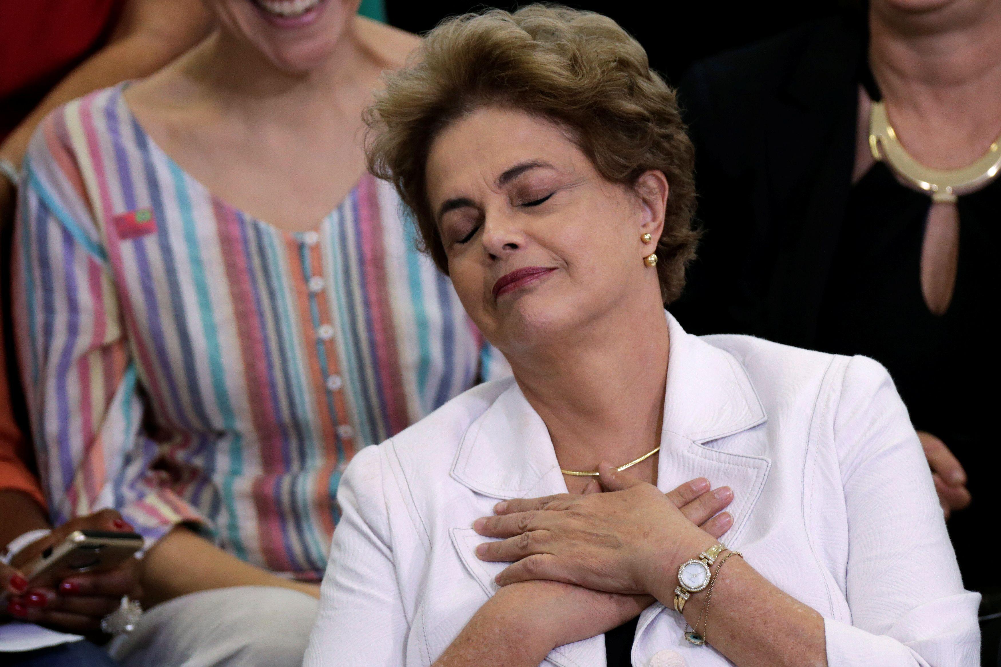 Kas ir kod�l gresia Brazilijos prezidentei