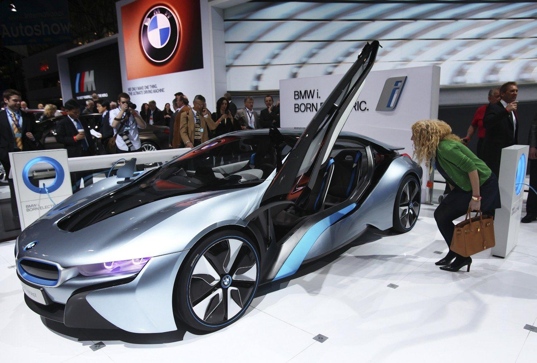 BMW paliko pagrindiniai �i� serijos k�r�jai � suviliojo kinai