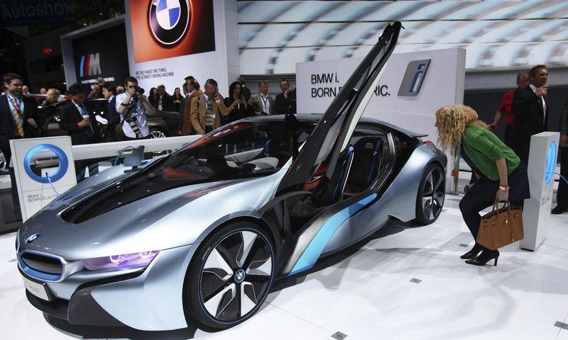 """BMW teigia, kad trečiasis """"i"""" serijos modelis nepasirodys anksčiau nei 2020 m. Shannon Stapleton (""""Reuters"""" / """"Scanpix"""") nuotr."""