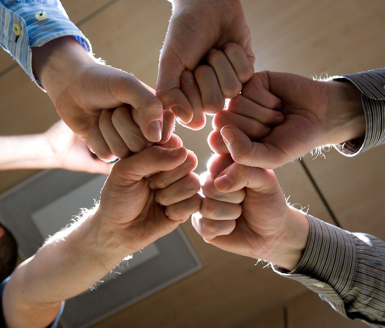 Verslo partneriai irgi mokosi komandinio darbo