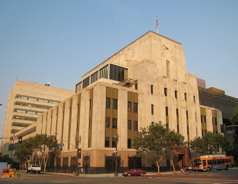 U� �The Los Angeles Times� ir �Chicago Tribune� pasi�l� 815 mln. USD