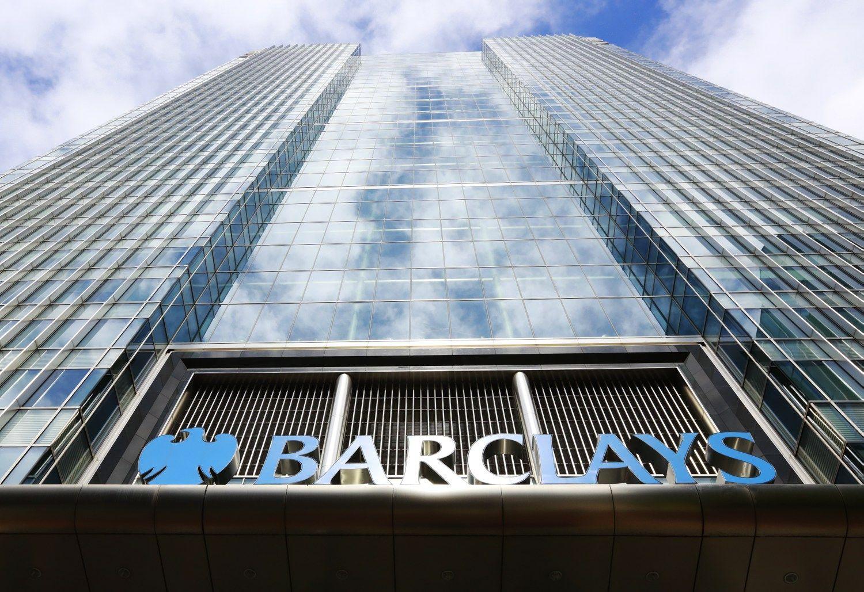 """""""Barclays"""" pelnas krito ketvirtadaliu"""