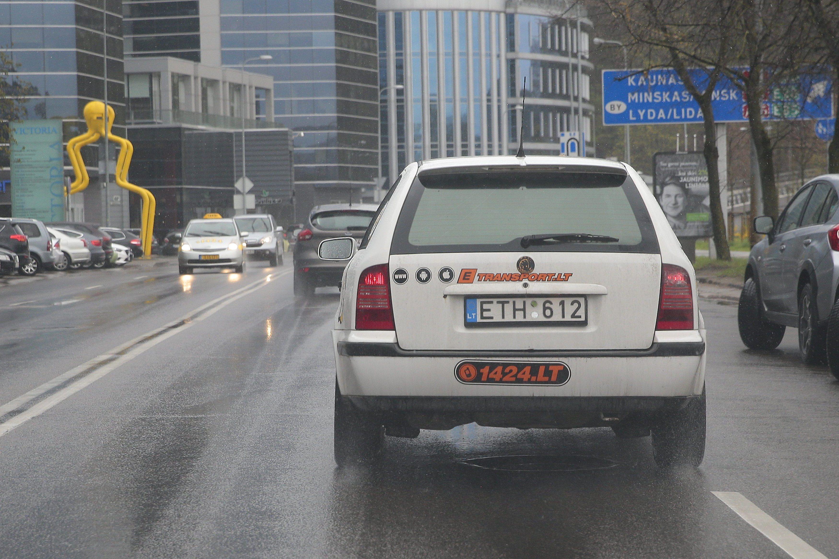 """Taksi rinką krečia """"uberizacijos"""" karštinė"""
