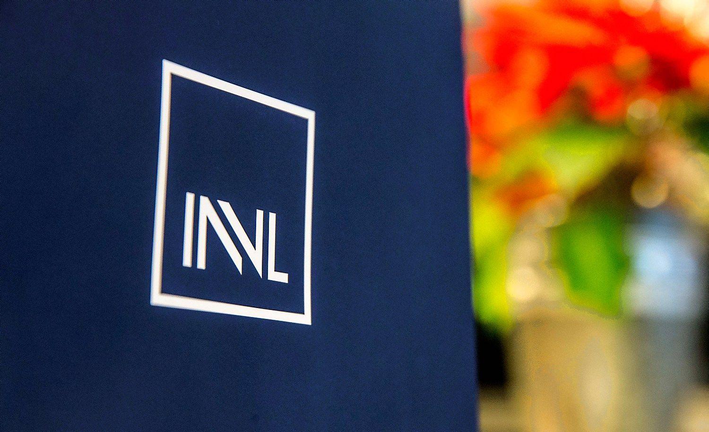 �Invalda INVL� grup�s darbuotojus paskatins akcijomis