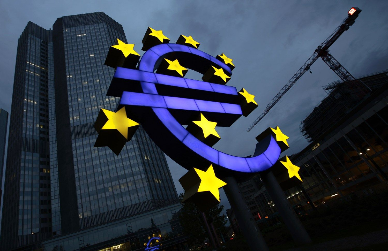 Euro zonos ekonomika i�kop� � prie�krizin� lyg�