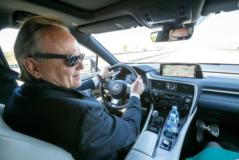 Rusteika apie �Verslo automobil�: automobilis vadovui neb�ra motyvacija
