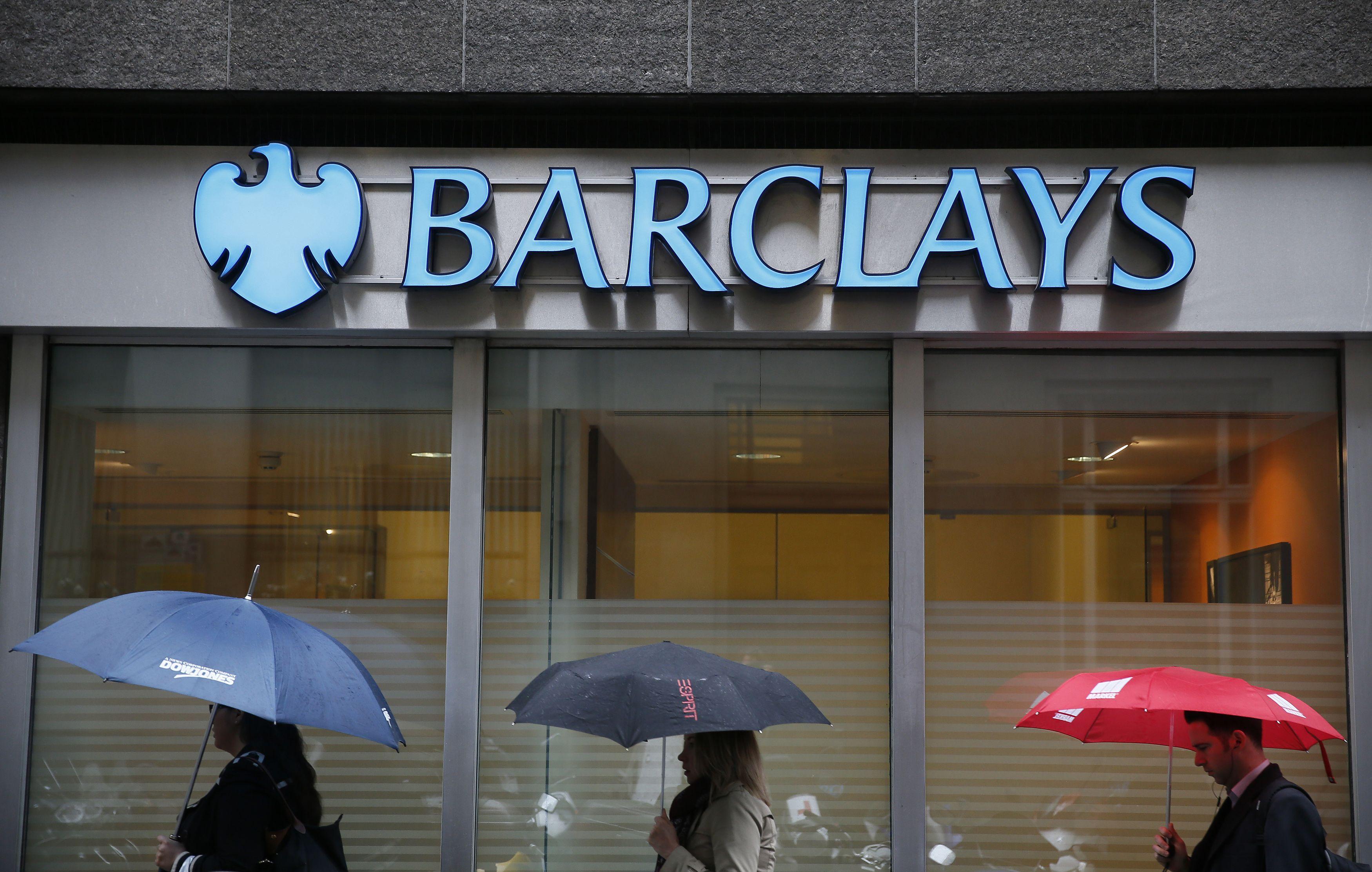 Brit� bankai pamir�o kriz�: v�l skolina iki 100% l��� b�stui �sigyti