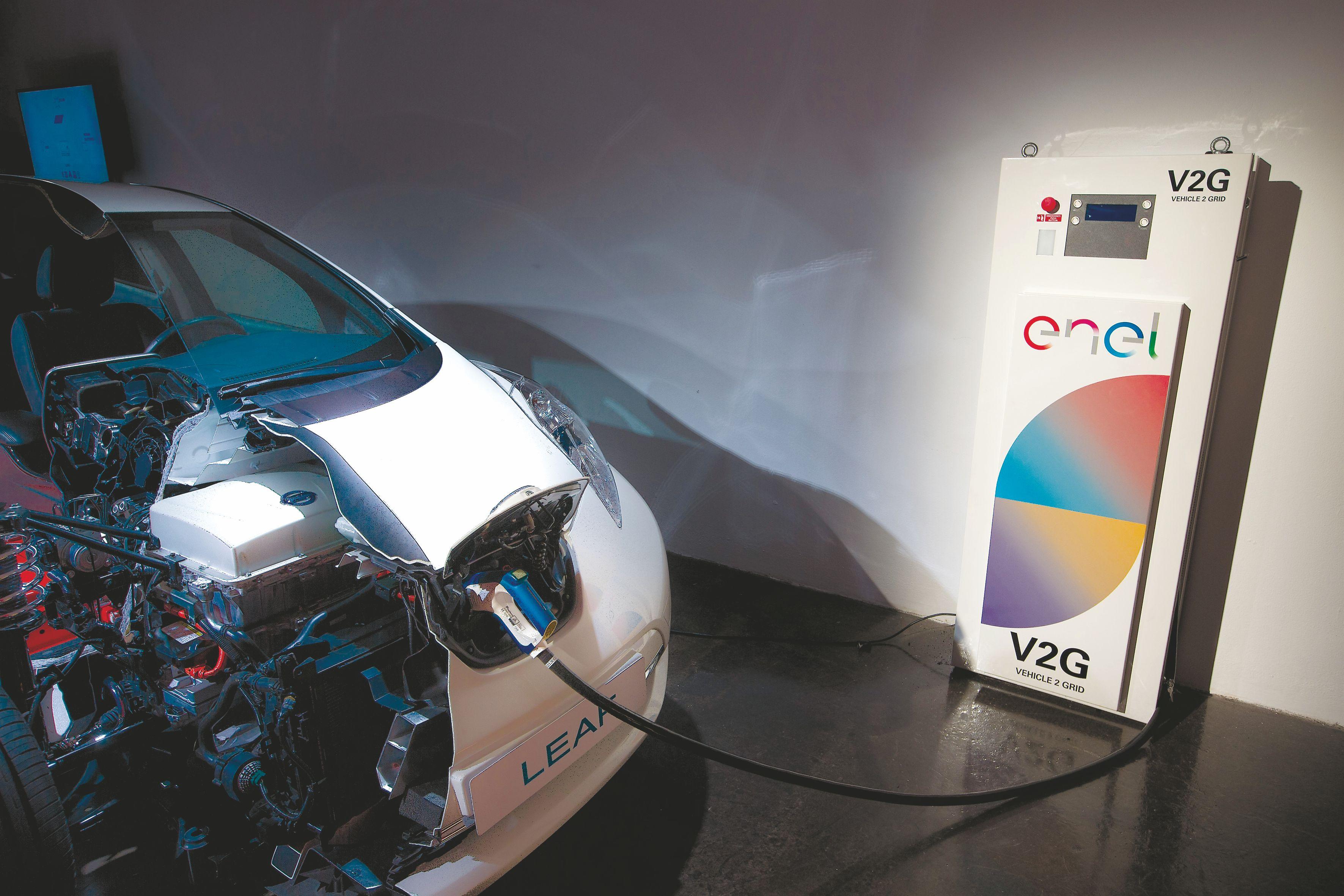"""""""Nissan"""" nori išmanių elektros mainų tinklų"""