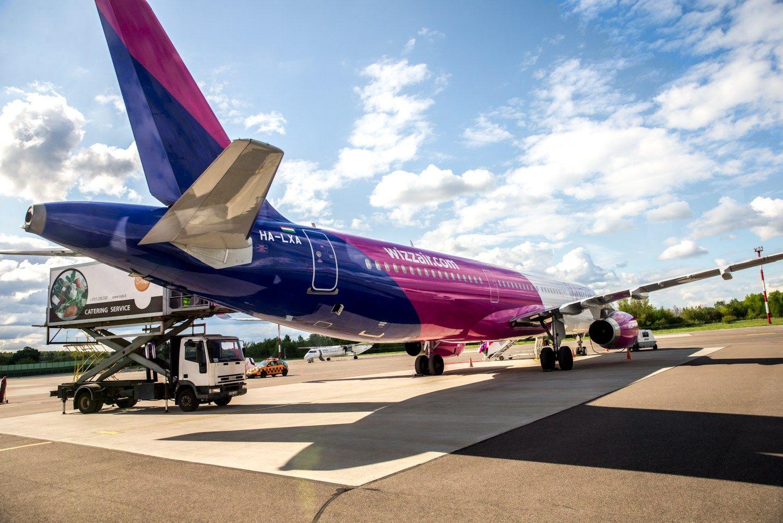�Wizz Air� investuoja � paslaugas internete
