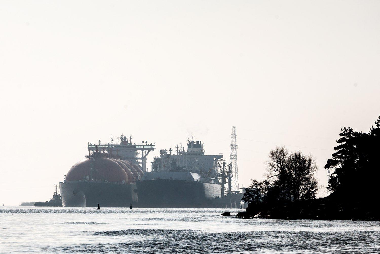 """Mažiau """"Gazprom"""" – pigesnės dujos"""