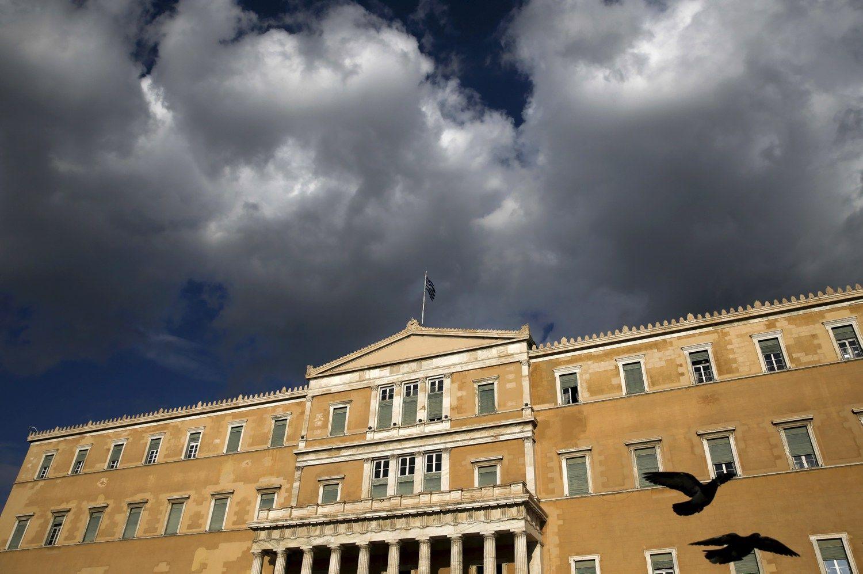 Europa sutiko nura�yti dal� Graikijos skol�