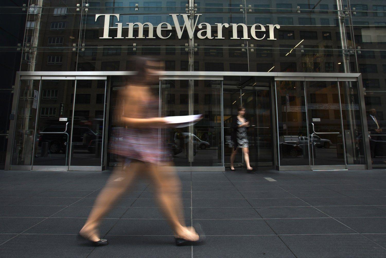 FT: �Apple� vadovai prabilo apie nor� �sigyti �Time Warner�