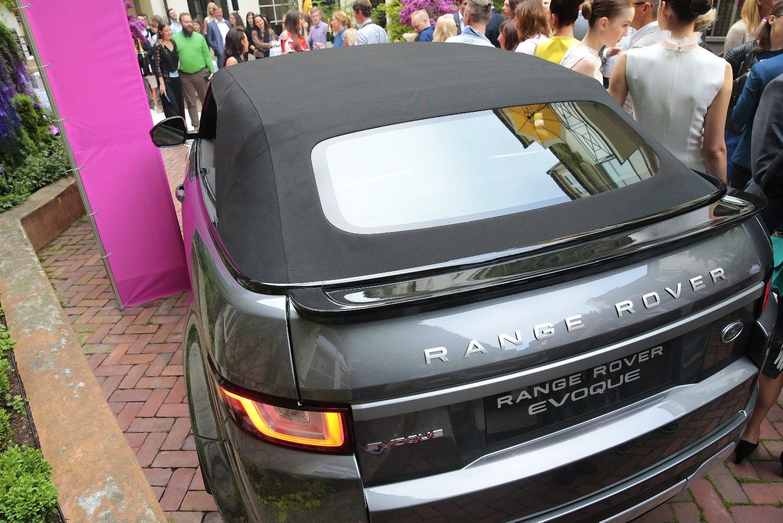 Lietuvoje pristatytas �Range Rover� kabrioletas visureigio k�bulu