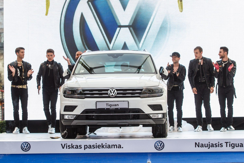 �Volkswagen Tiguan� Vilniuje nuleido i� dangaus