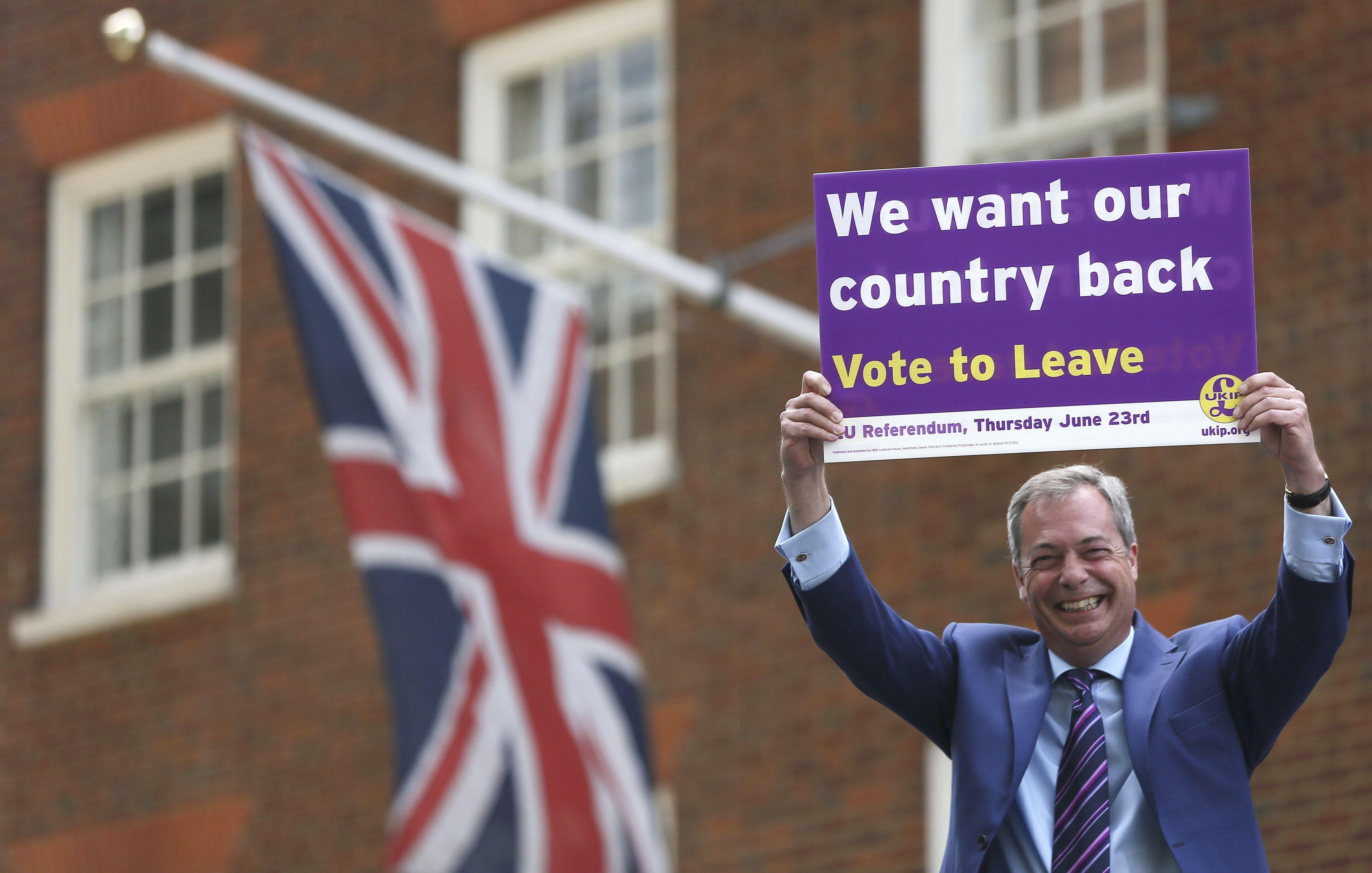 Piet�s su FT: �Brexit� �auklys Nigelas Farage�as