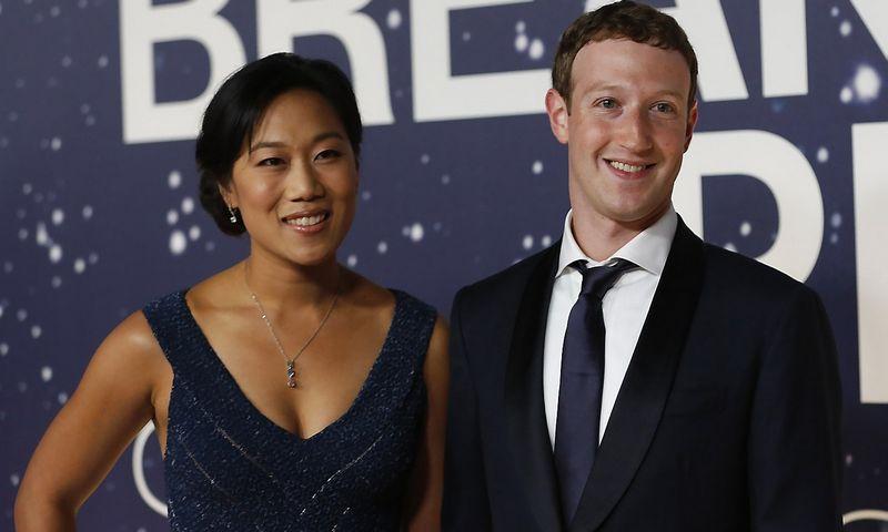 Markas Zuckerbergas su žmona Priscilla Chan STEPHENO LAMO (REUTERS) NUOTR.