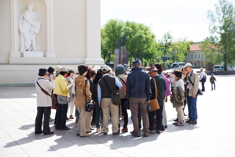 D�l turist� antpl�d�io Vilniaus vie�bu�iuose jau tr�ksta viet�