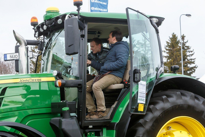 �kininkai �luoja traktorius - kas ketvirtas naujas
