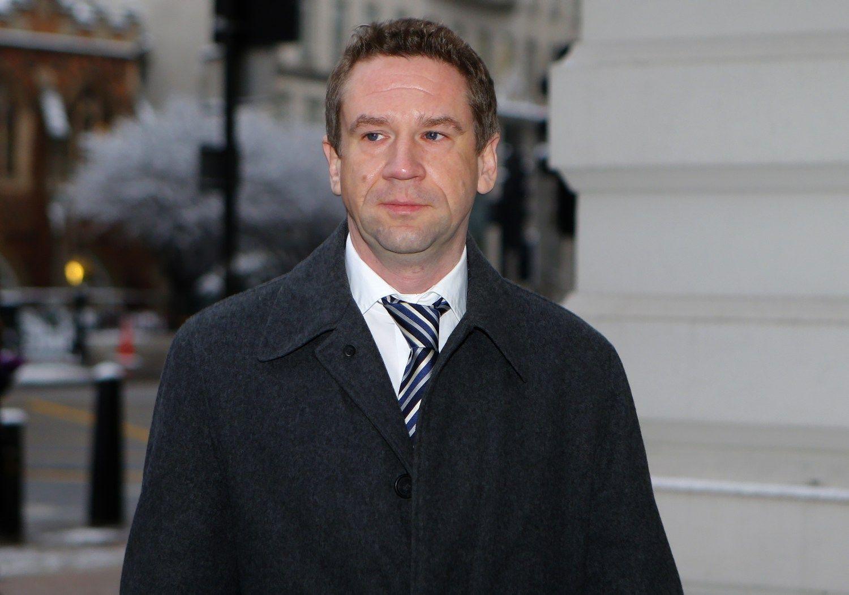 Teismas: Vladimiras Antonovas Latvijos bankui padar� 87,6 mln. Eur nuostoli�
