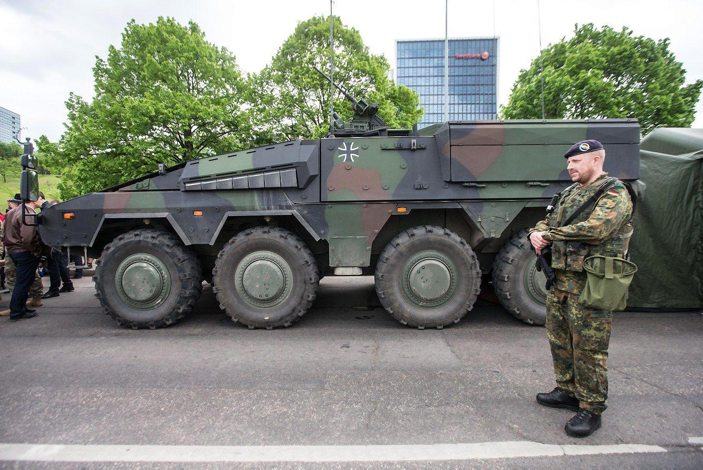 Ilgėja Lietuvos karinių įsigijimų sąrašas: uždirbs ir vietos verslas