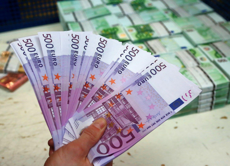 Vyriausybei skolinimasis pinga