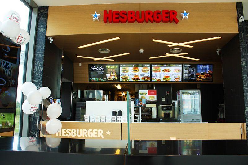 """Šalia Molėtų atidarytas restoranas – 45-asis """"Hesburger"""" tinklo restoranas Lietuvoje. Bendrovės nuotr,"""