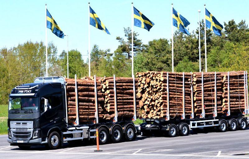 """""""Volvo"""" vilkikų bandymai Švedijoje, Geteborge. Kęstučio Bruzgelevičiaus nuotr."""