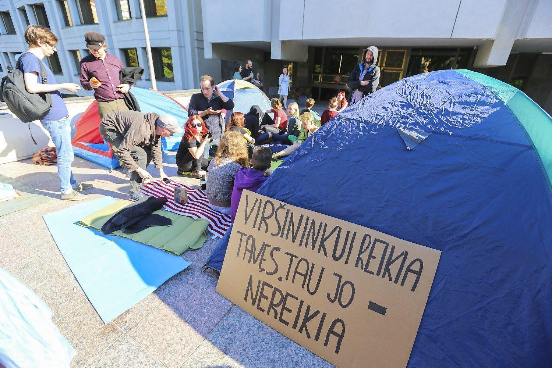 Prie Vyriausybės protestuoja dėl naujo Darbo kodekso