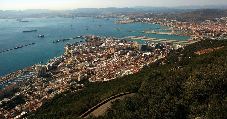 Ispanija jau kalba apie savo v�liav� Gibraltare