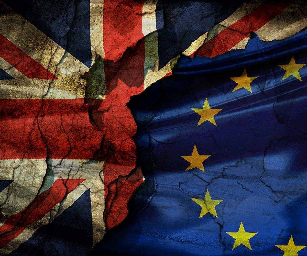 Britai palieka ES, Cameronas atsistatydina, �kotija v�l nori referendumo