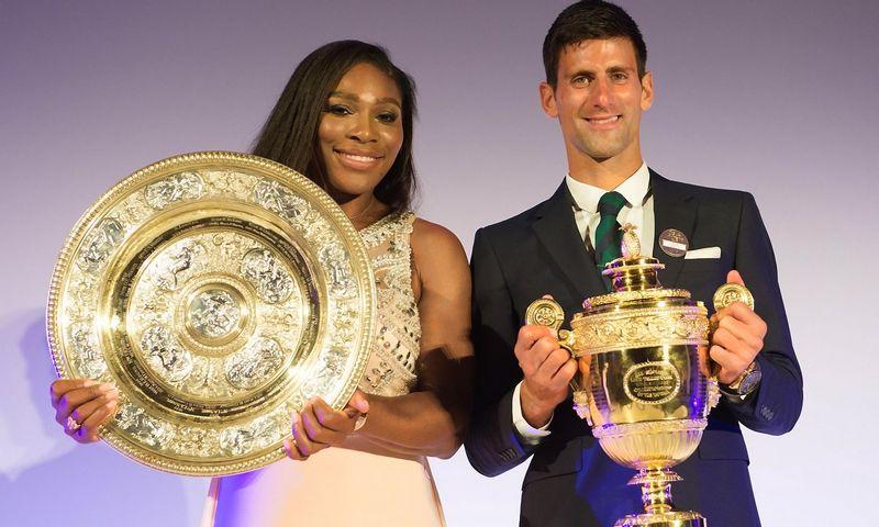 """2015 m. Vimbldono čempionai – serbas Novakas Djokovičius ir amerikietė Serena Williams. Reuters / """"Scanpix"""" nuotr."""