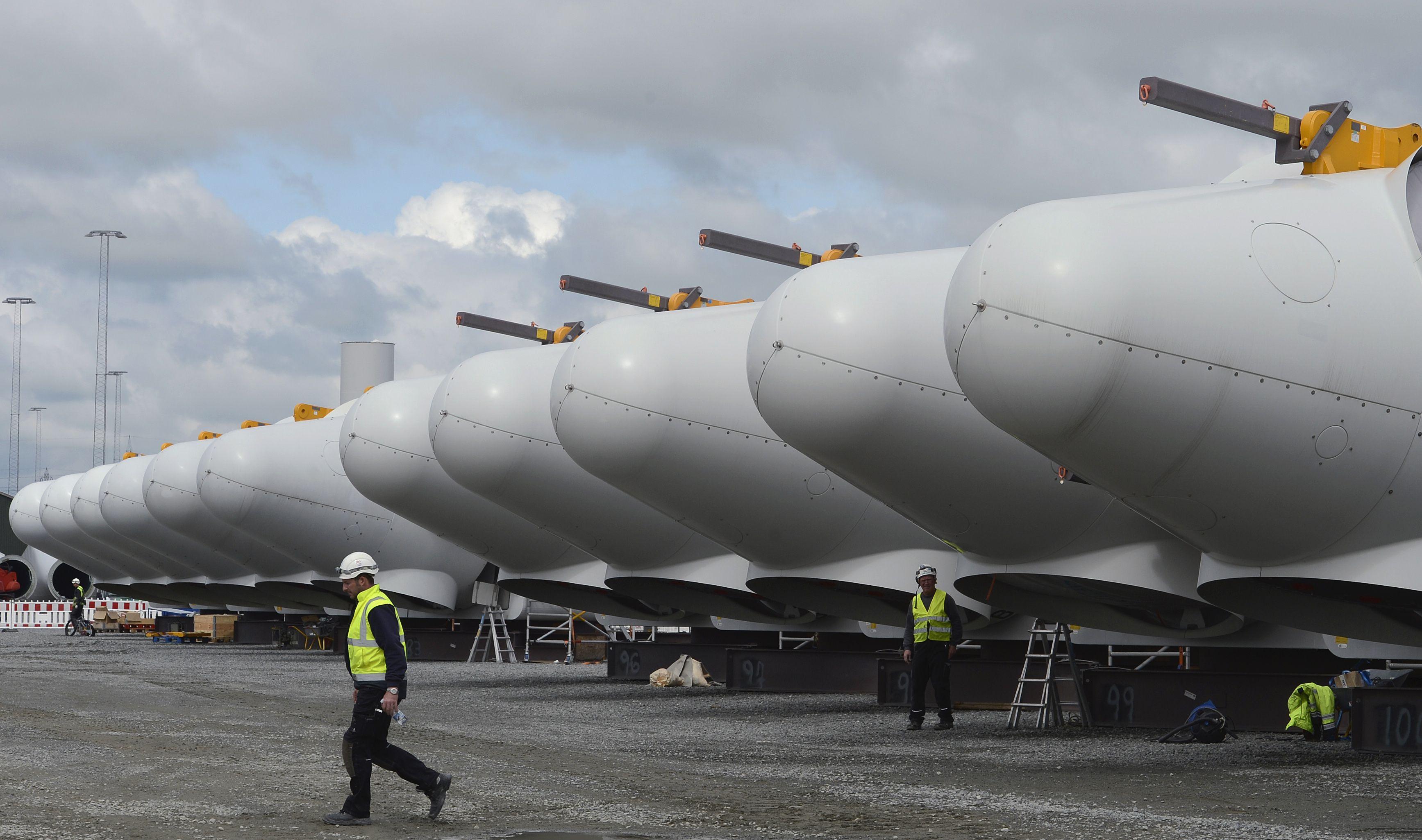 """""""Siemens"""" stabdo investicijas Jungtinėje Karalystėje"""
