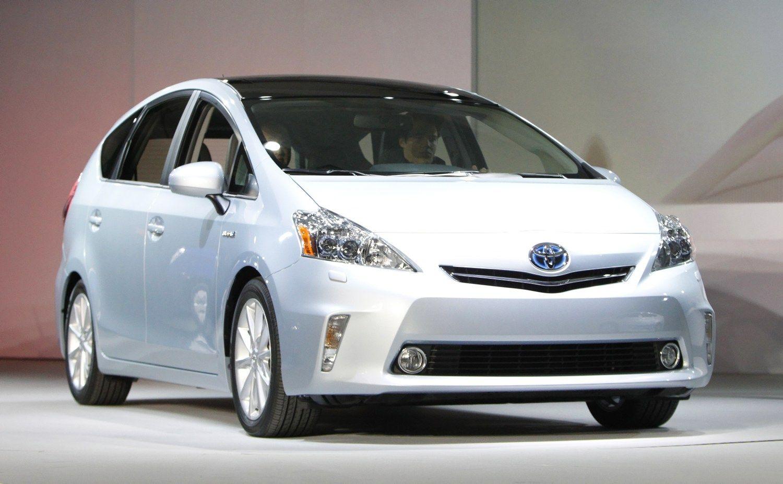 �Toyota� at�aukia 482.000 �Prius� ir �Lexus� automobili�