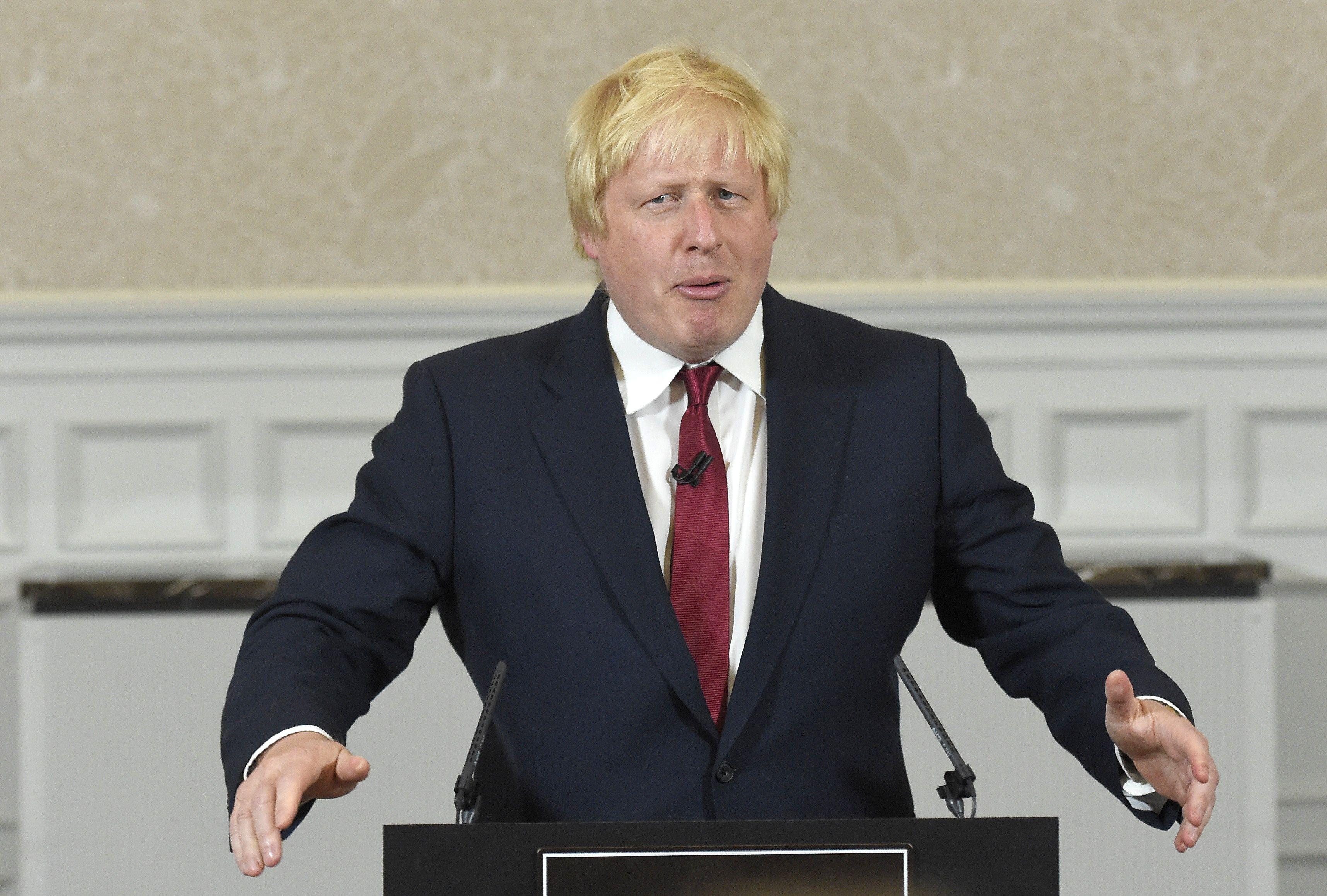 JK kova d�l konservatori� lyderio posto: Theresos May i���kis Borisui Johnsonui