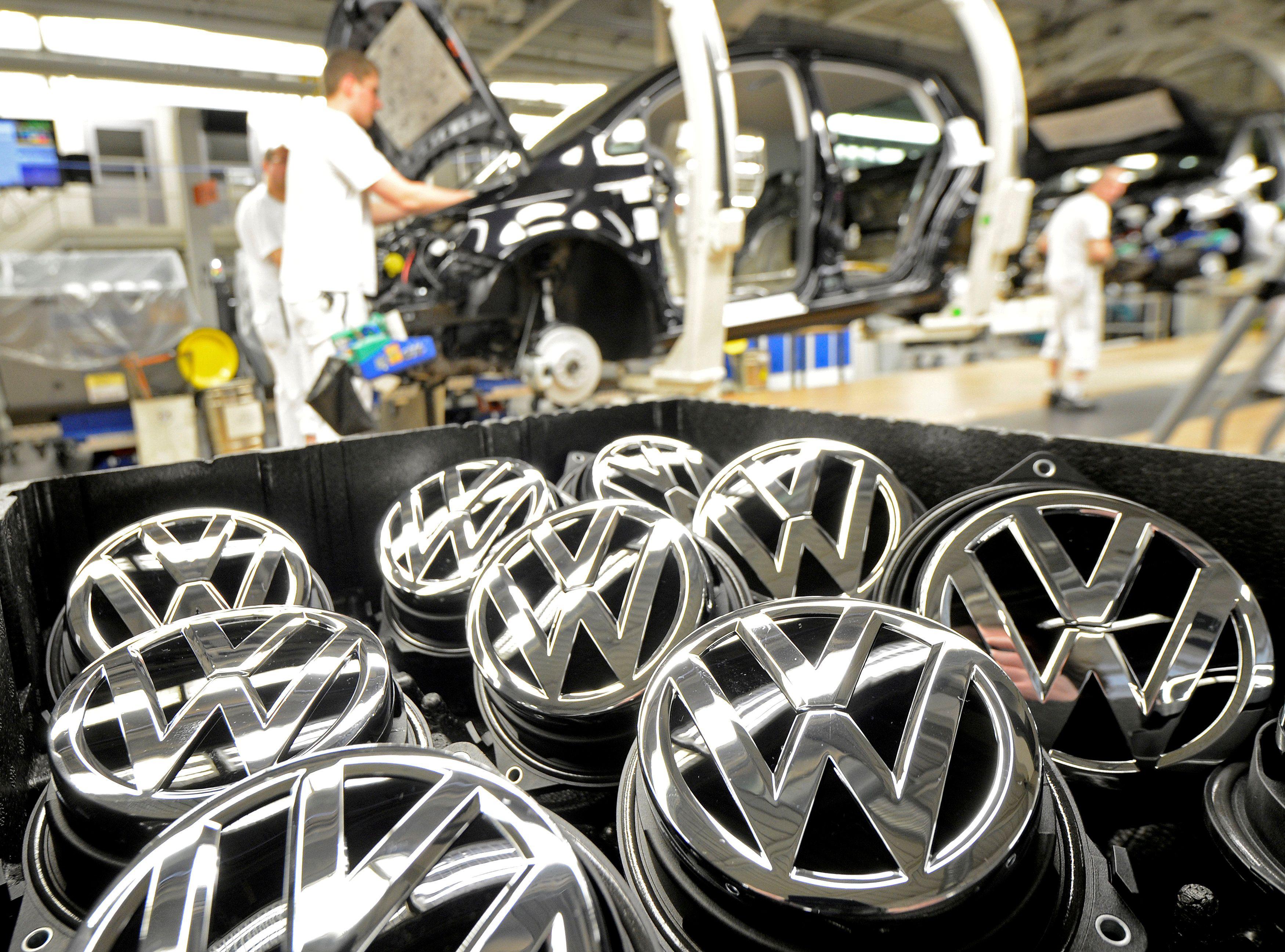 """Dėl dyzelgeito """"Volkswagen"""" piniginė suplonės milijardais"""