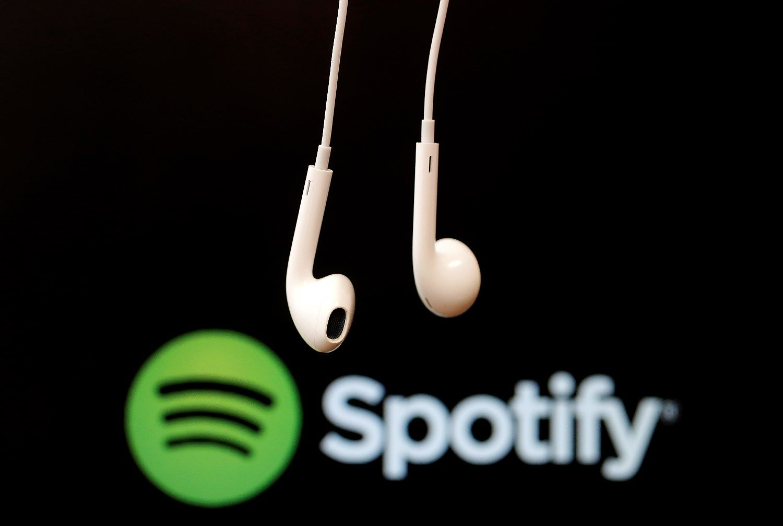 �Spotify� kaltina��Apple� ribojant konkurencij� program�li� parduotuv�je