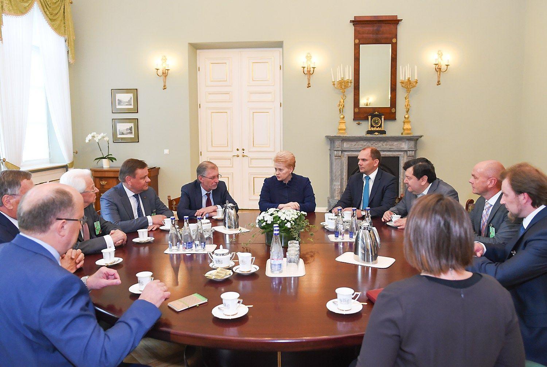 Lietuva turi reikalavimų iš ES susirengusiems britams